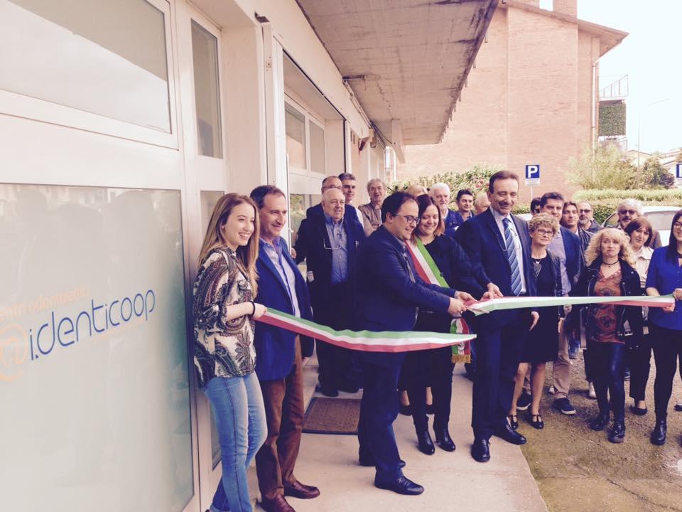 """I.denticoop, l'ambulatorio dentistico a """"marchio"""" Coop, ha aperto una sede nella zona di Ferrara"""