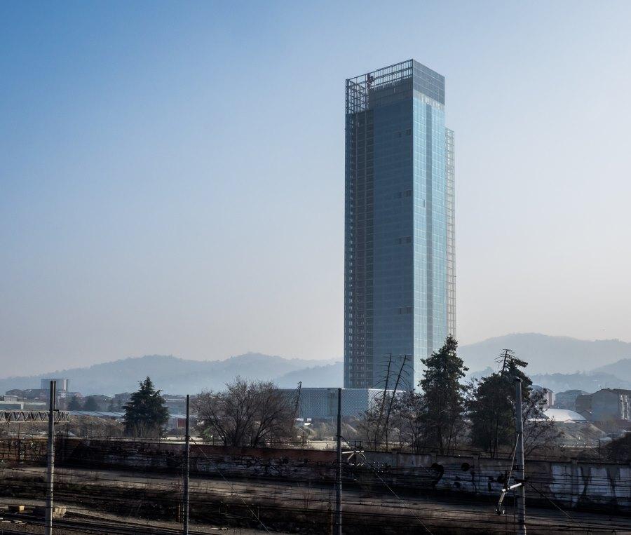 Il palazzo unico della regione piemonte riparte con cmb for Grattacielo torino fuksas