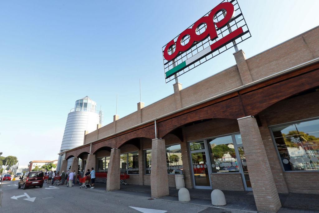 Coop alleanza 3 0 le foto della riapertura del for Planimetrie della casa del negozio