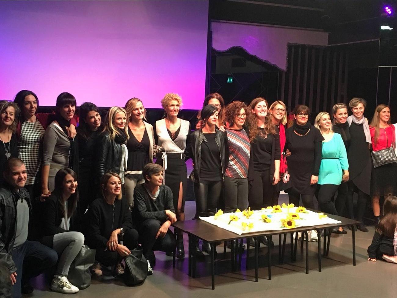 Girogirotondo: i 20 anni di futuro raccontati in uno spettacolo teatrale dai soci della cooperativa sociale di Comacchio