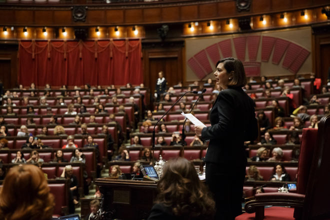 INCONTRO #InQuantoDonna – In Aula solo donne, in 1300 da tutta Italia: iniziativa della Presidente Boldrini
