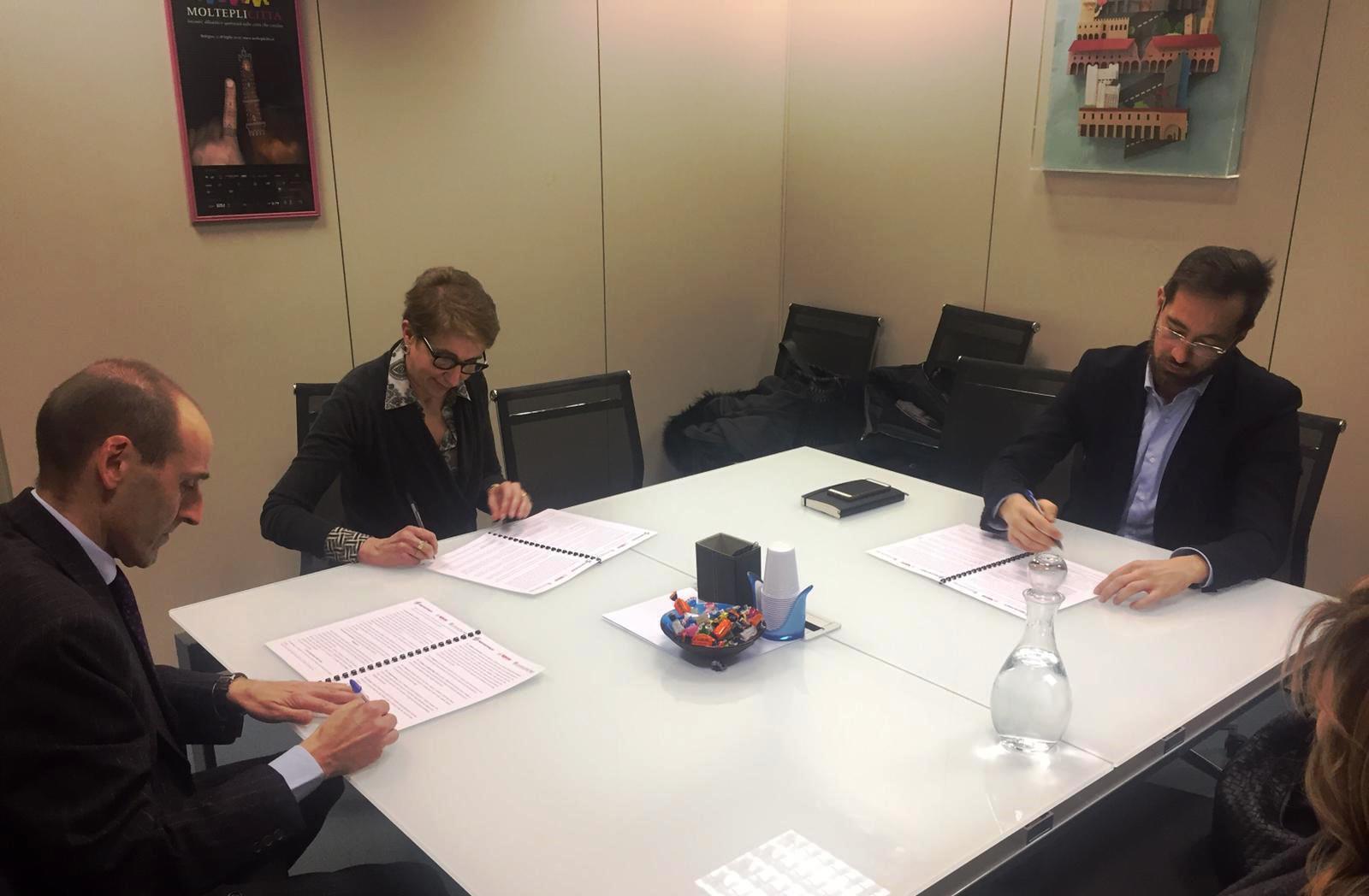 La sfida dei workers buyout per la tutela di imprese e occupazione: Legacoop Estense, Legacoop Bologna e Confindustria Emilia Area Centro hanno sottoscritto un protocollo d'intesa