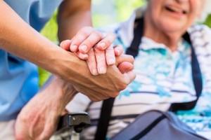 Alleanza Cooperative, bene Commissione assistenza anziani, ma sia aperta anche a cooperative