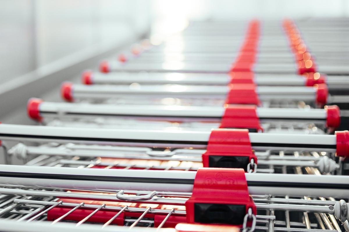Piano ripartenza, l'appello delle Associazioni: riaprire i centri commerciali