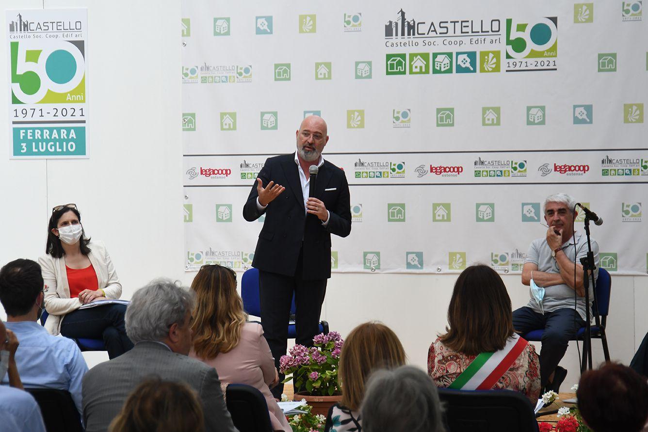 """Bonaccini e la Giunta regionale in visita a Coop Castello: """"una straordinaria realtà di edilizia sociale, espressione dello spirito emiliano-romagnolo"""""""